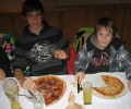 asvg-weihnachtsfeier-u-10-und-c-jugend-pizzeria-2000-21-12-12-010_r